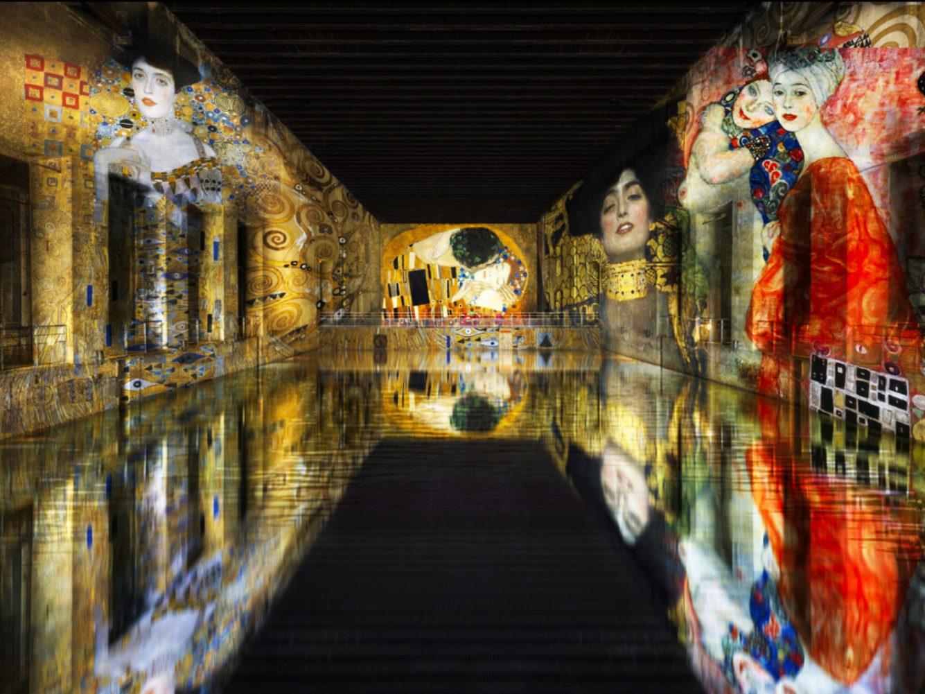 Gustave KLIMT dans les Bassins de lumières à Bordeaux.